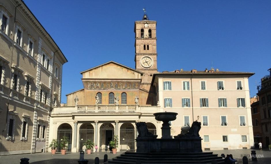 Santa Maria em Trastevere horas estão entre 7:30am and 9pm