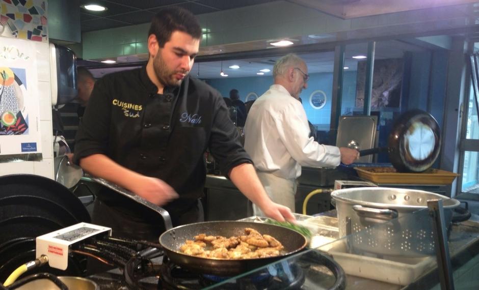 美食Du Sud酒店提供地中海美食