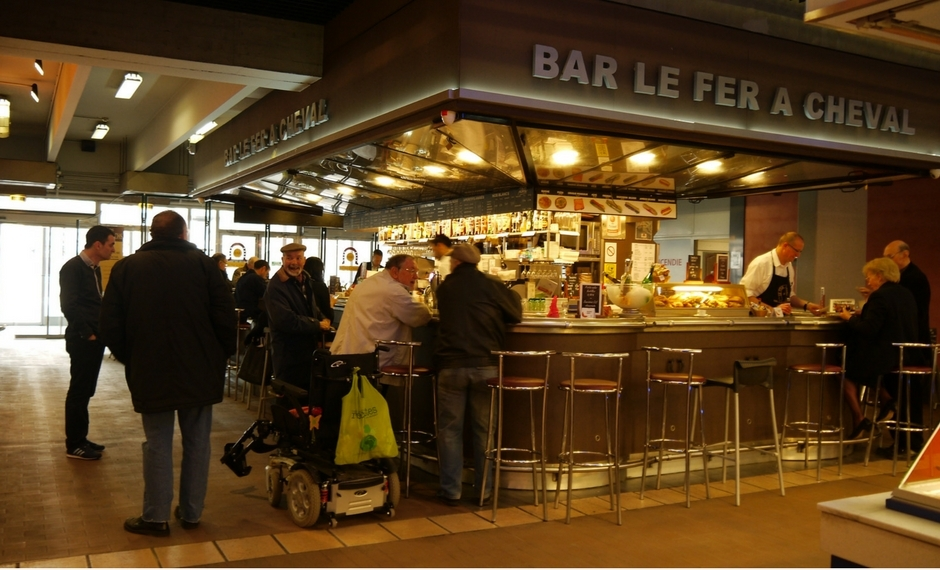 Le Fer a Cheval opens early