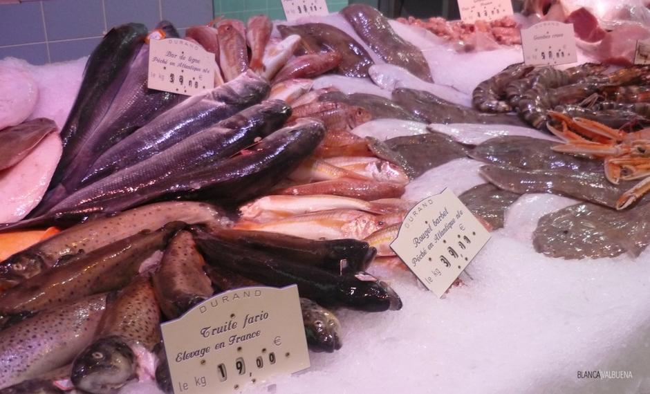 鱼贩在杜兰德Les Halles酒店保罗·博古斯