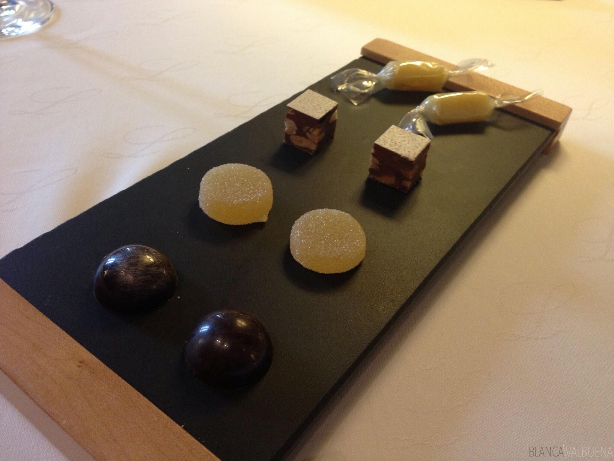 Maison Lameloise dient ein mehrgängiges Dessert