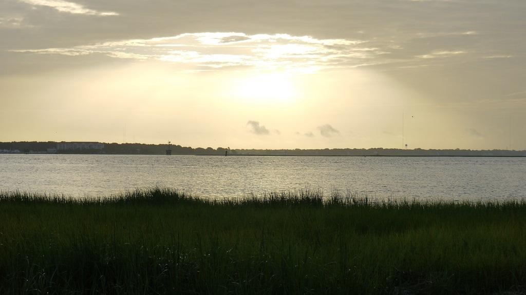 Charleston SC sol sobre el agua