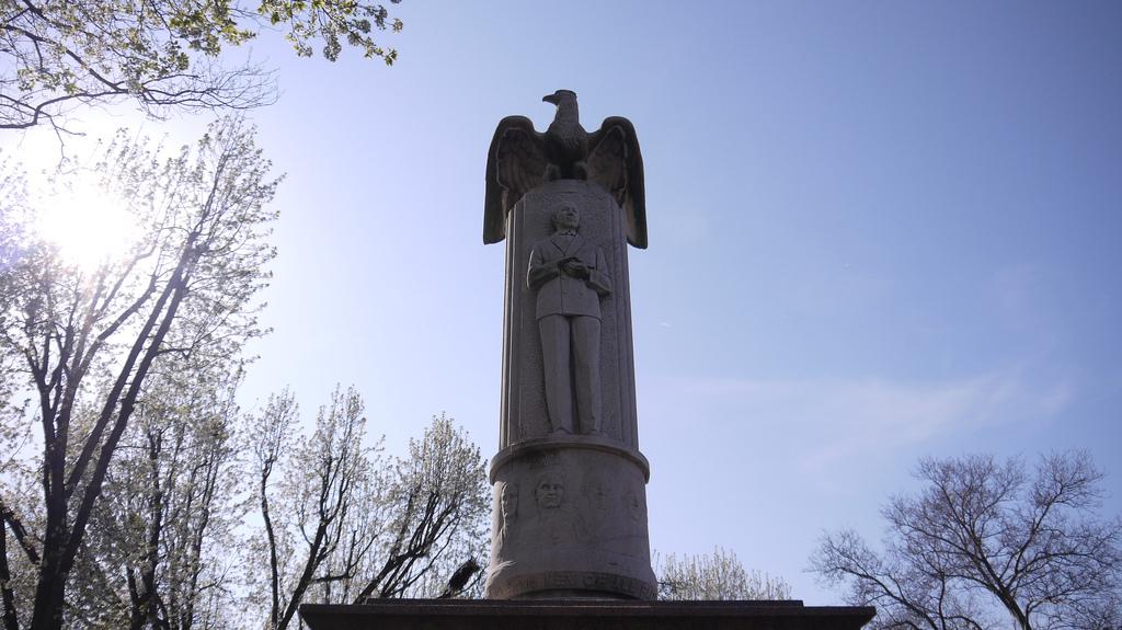 Monument à Guglielmo Marconi