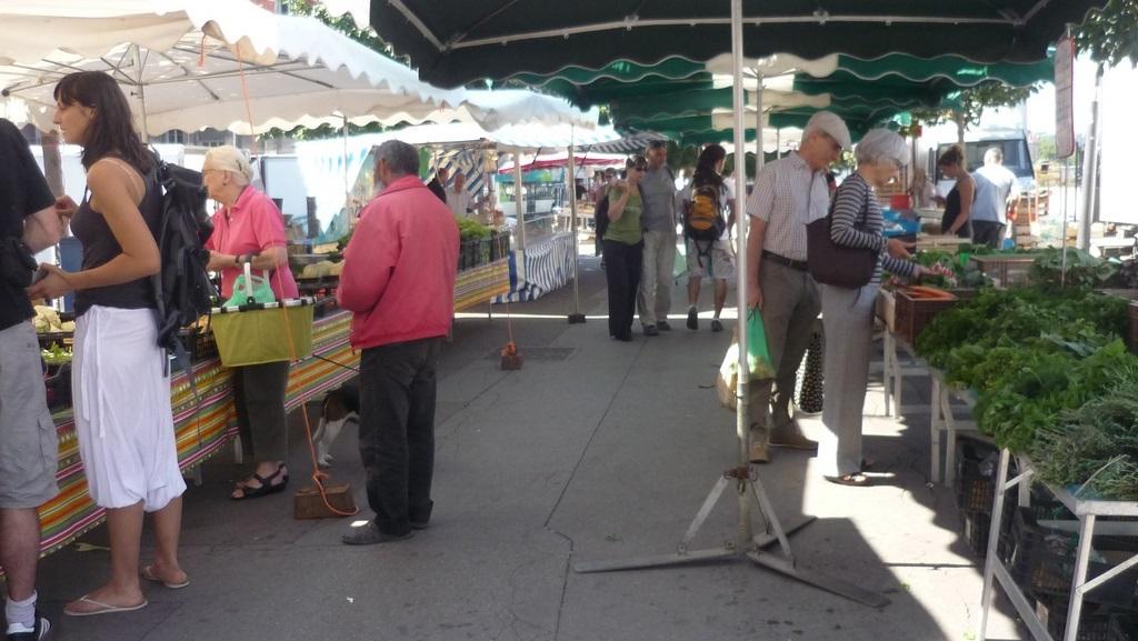 Saone mercado de los granjeros en Lyon