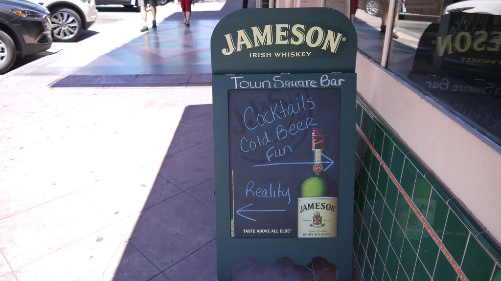 Sign at Murphy's Pub in Sonoma