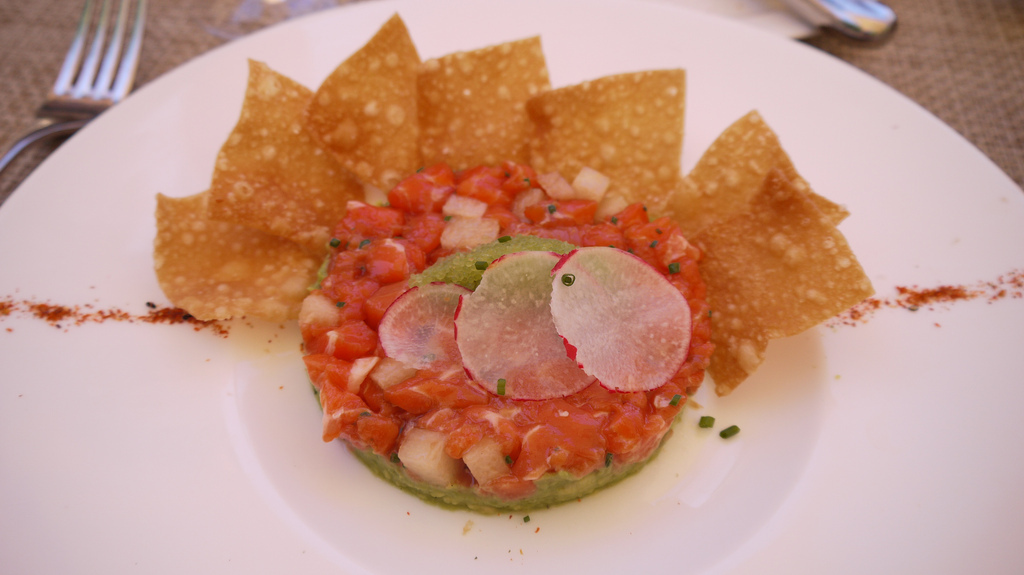Tuna Tartare with chips