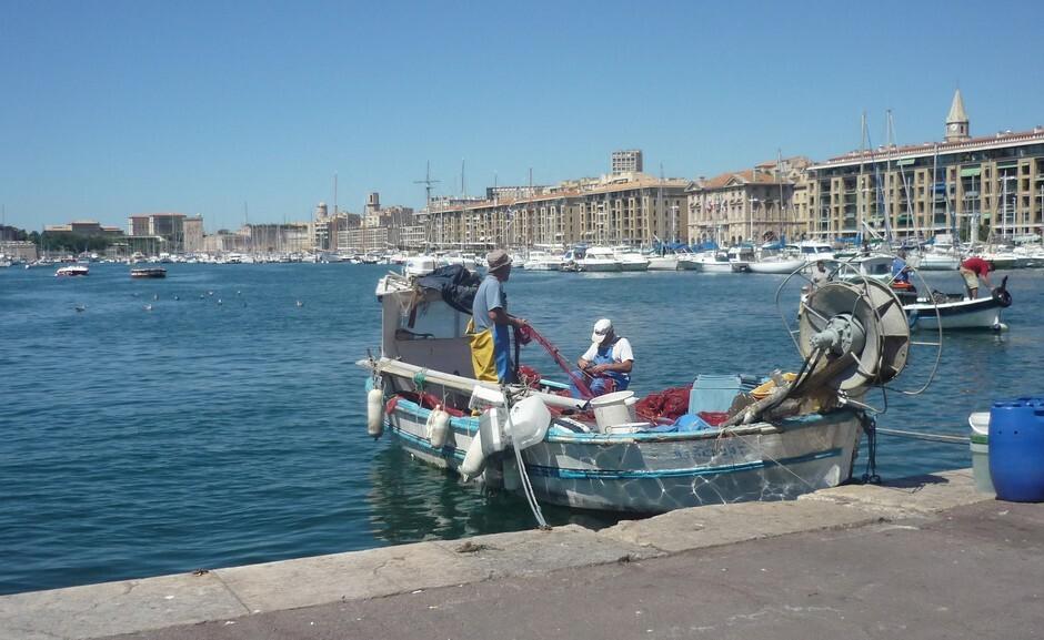 Die Fischer in den alten Hafen von Marseille