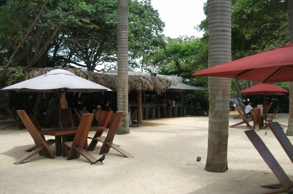 lolas beach restaurant costa rica