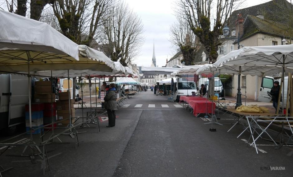 Raggiungere il mercato del contadino Beaune presto così è possibile ottenere il migliore
