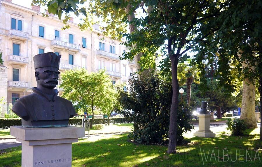 Bust of Brne Karnarutić