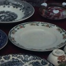 If you're looking for good Portuguese antiques, aller à Jardim do Príncipe Real