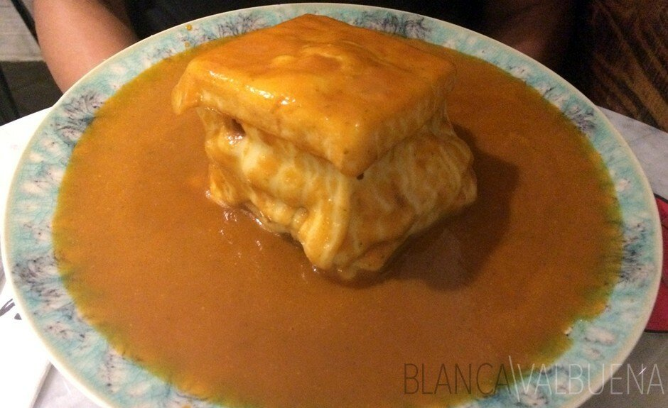 What does a Francesinha look like