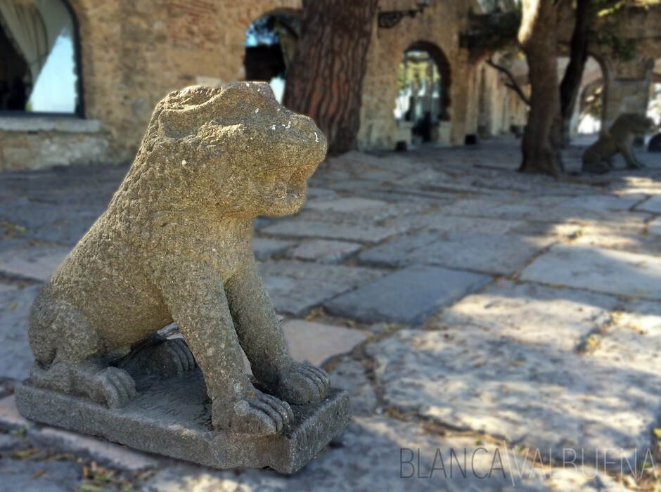 The lion sculptures at Castelo de Sao Jorge