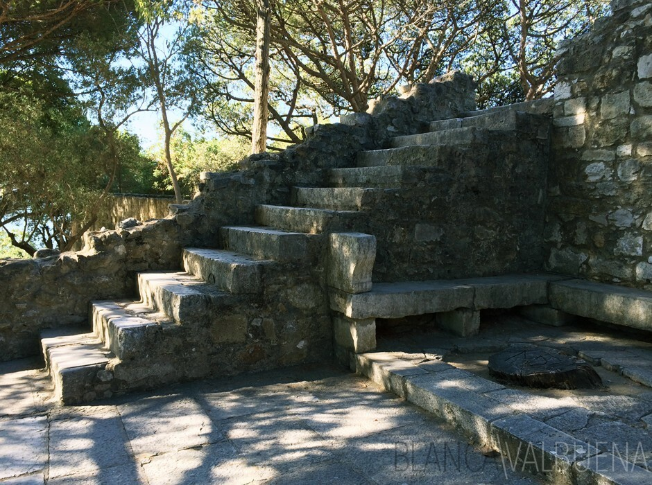 Stone stairs at the Castelo de Sao Jorge in Lisboa