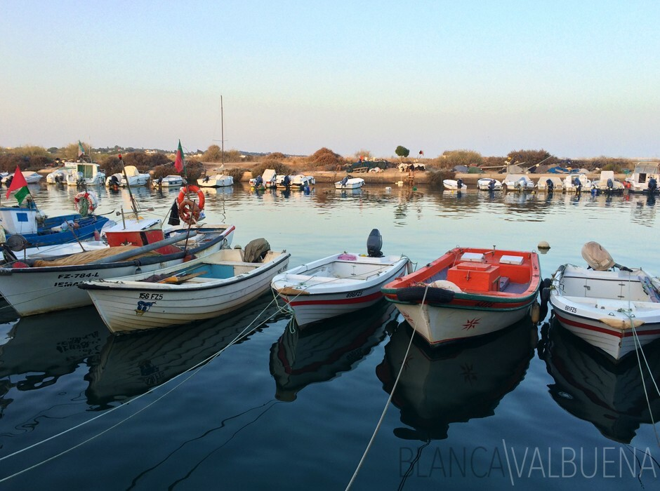 Barcos dos pescadores em Fuseta no Algarve
