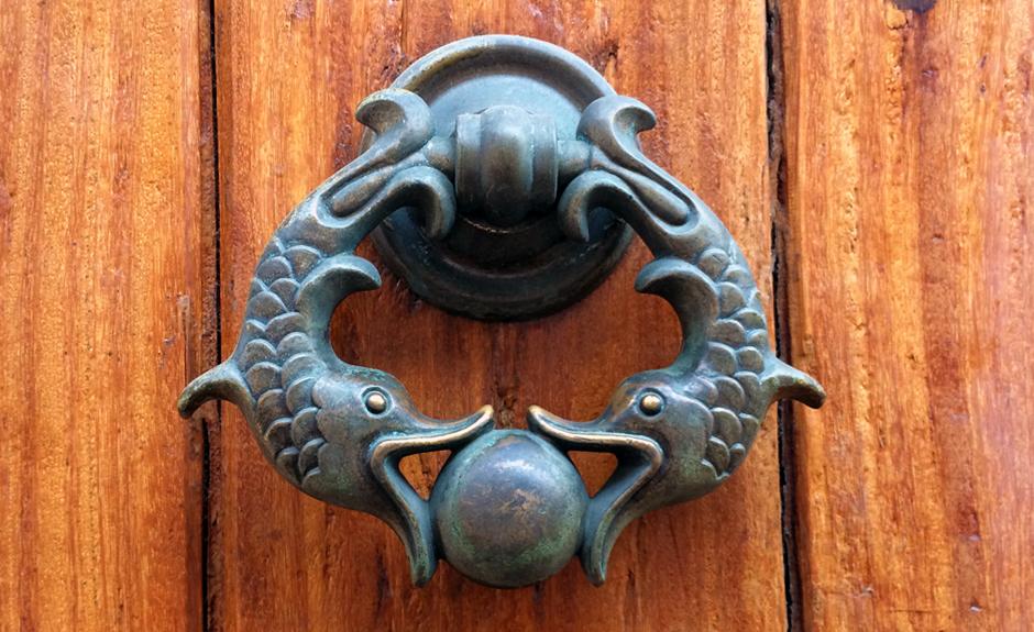 Cartagena es conocida por sus aldabas decorativos
