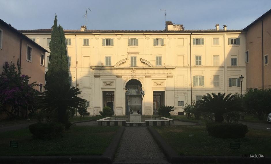 A vista do edifício que protege Santa Cecilia de fora