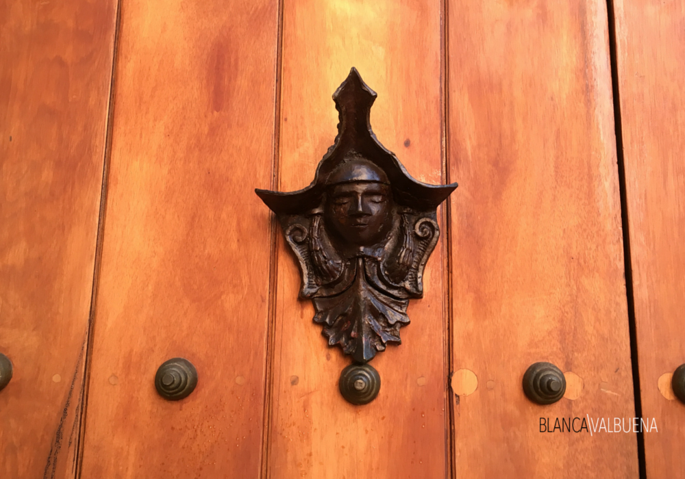 Door Knocker in Cartagena with a face