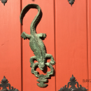 What does an Iguana mean on a door in Cartagena