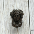 Face shaped door knockers are more rare in Cartagena