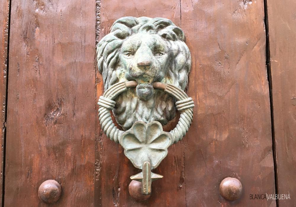 Lions bedeutete eine militärische Familie in der cartagena nach Hause lebte