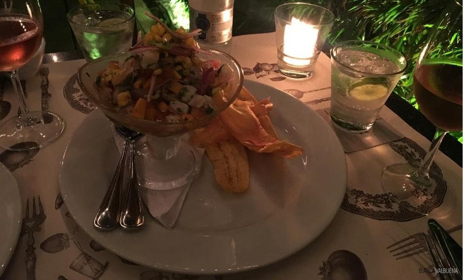 卡利一个伟大的餐厅附近的巴赫克德尔佩罗拉Comitiva