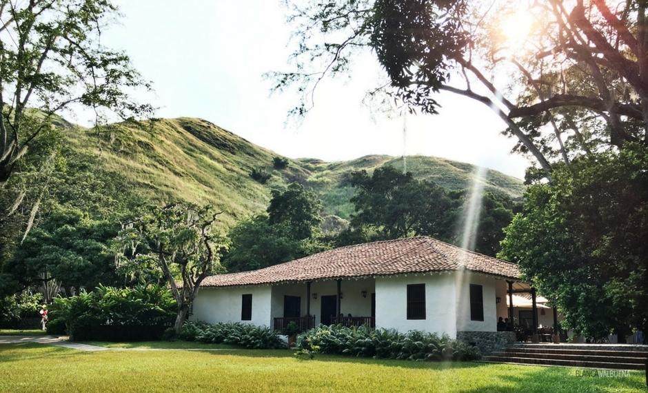 Eğer şehir dışına almak ama şehirde kalmak istiyorsanız, Hacienda del Bosque yapacak
