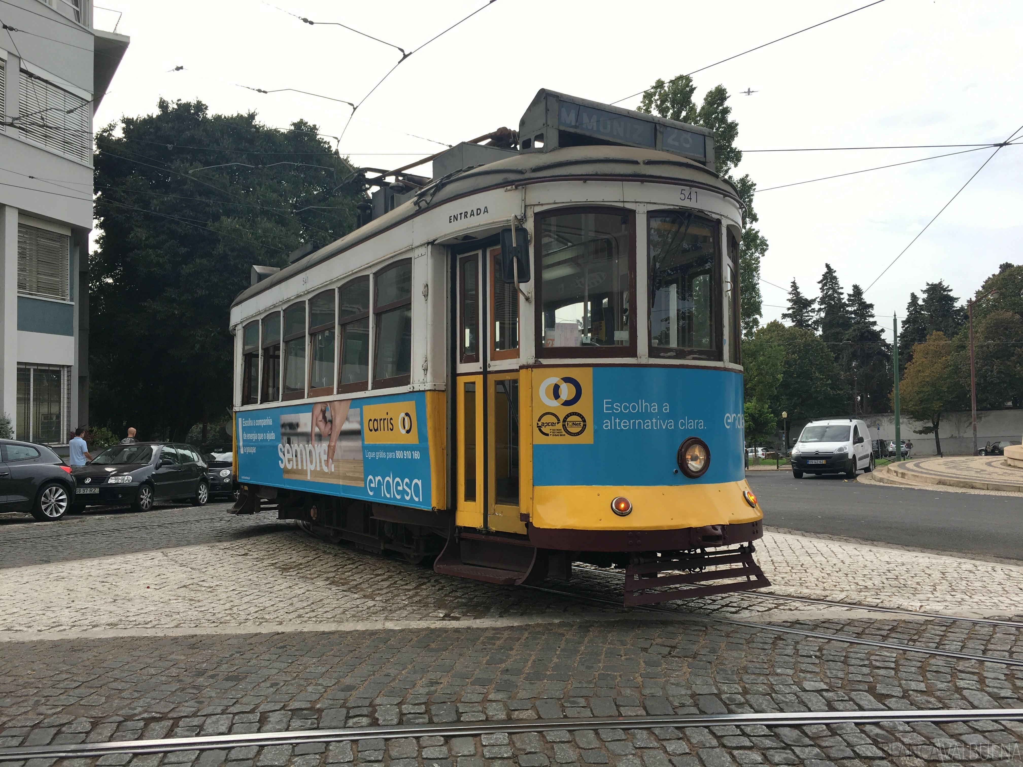 Take tram 28 to get to Prazeres Cemetery