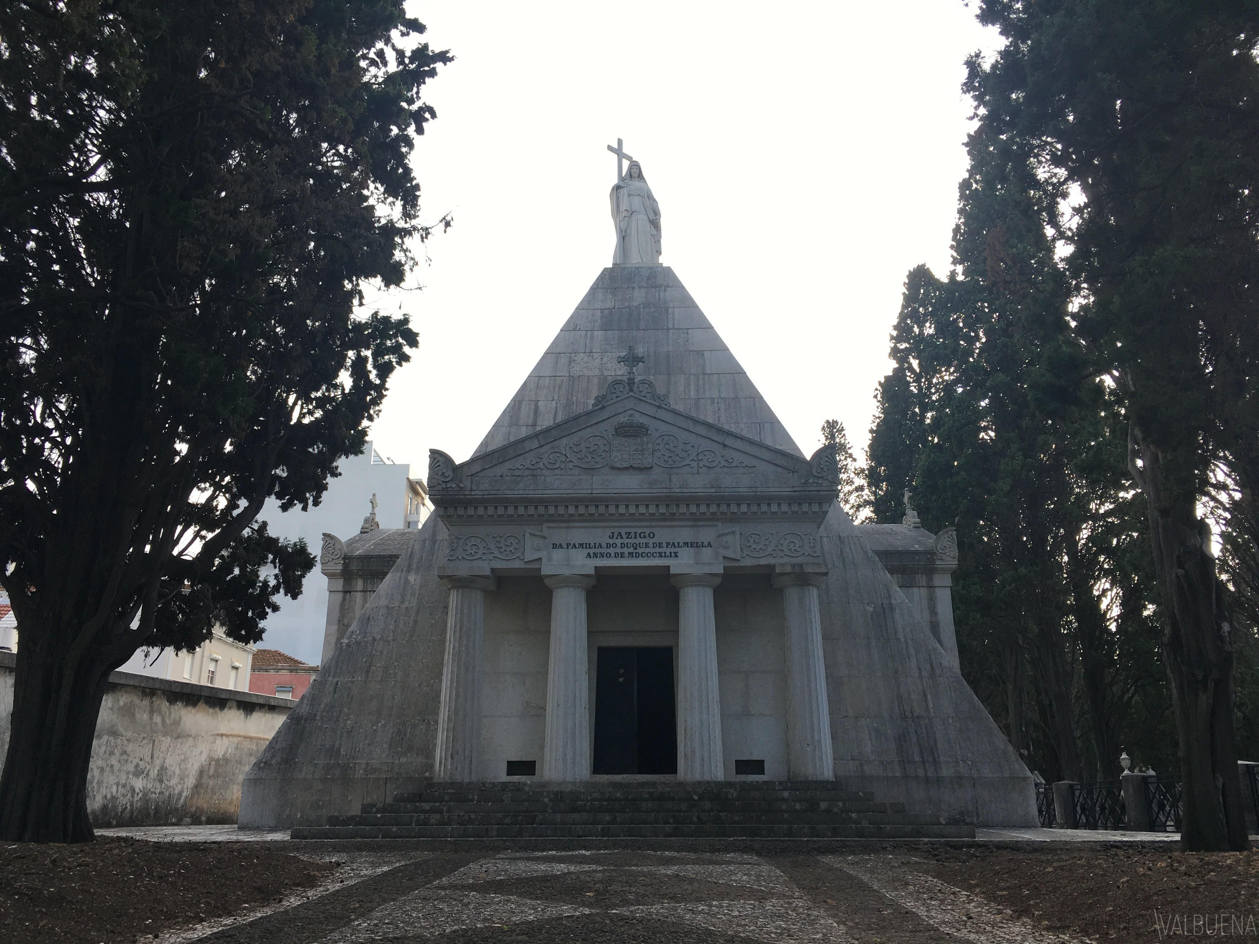 famílias proeminentes enterrado em Prazeres