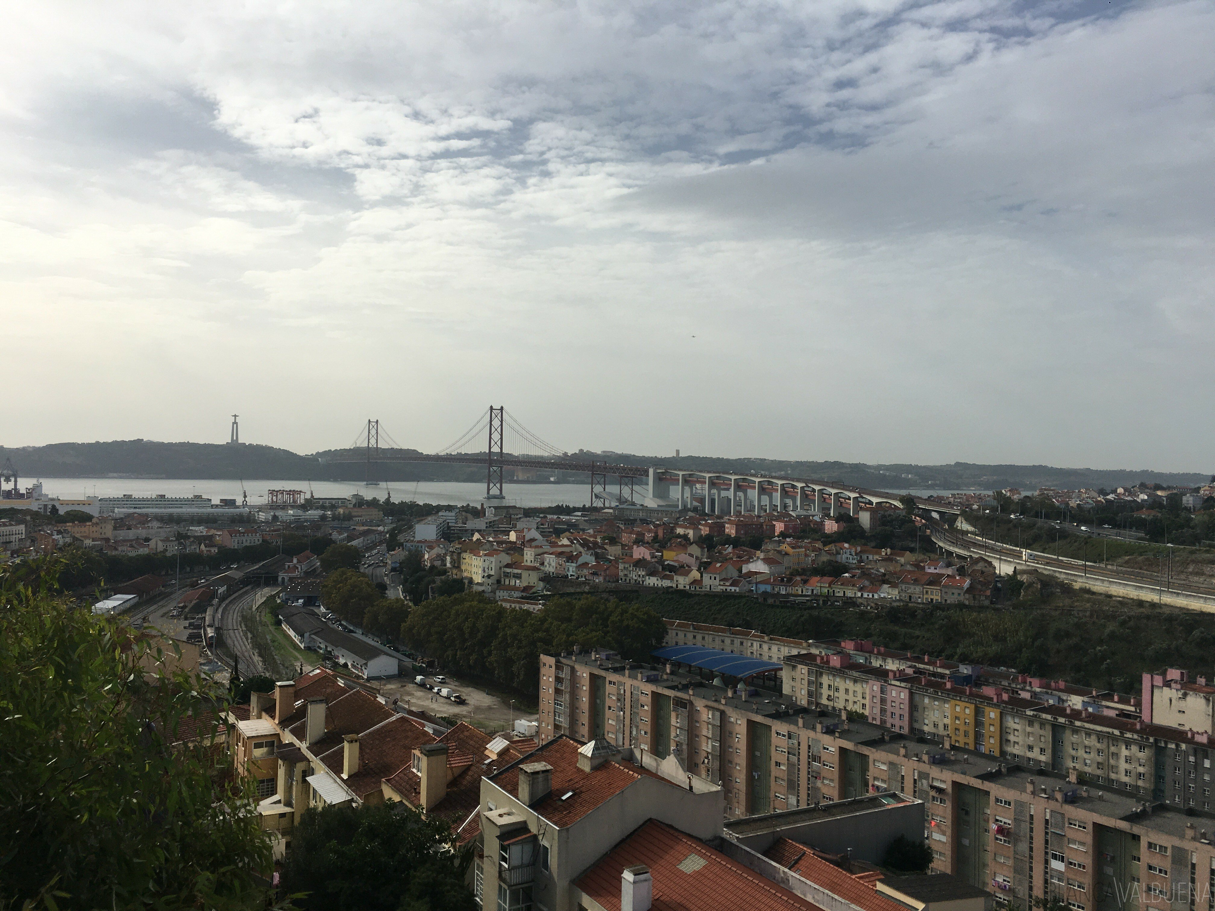 Prazeres Cemetery has a great view of the April 25 Bridge