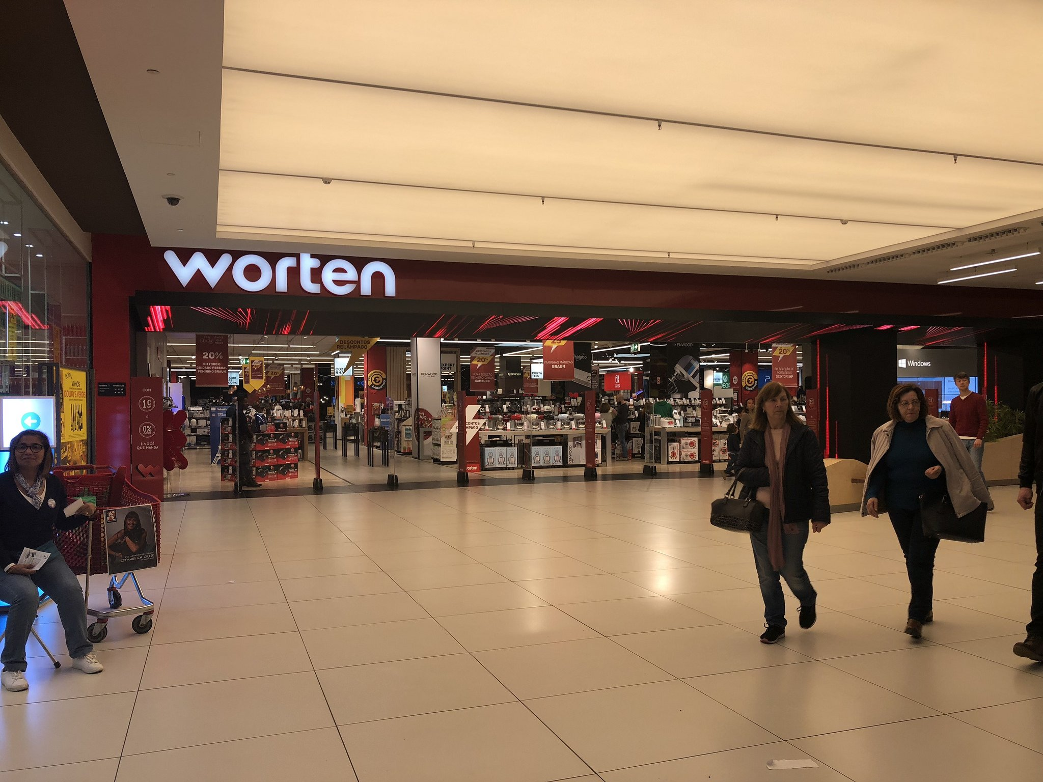 You can buy home appliances at Worten in Portugal