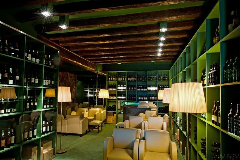 Un bar de vinos para el único puerto en Lisboa