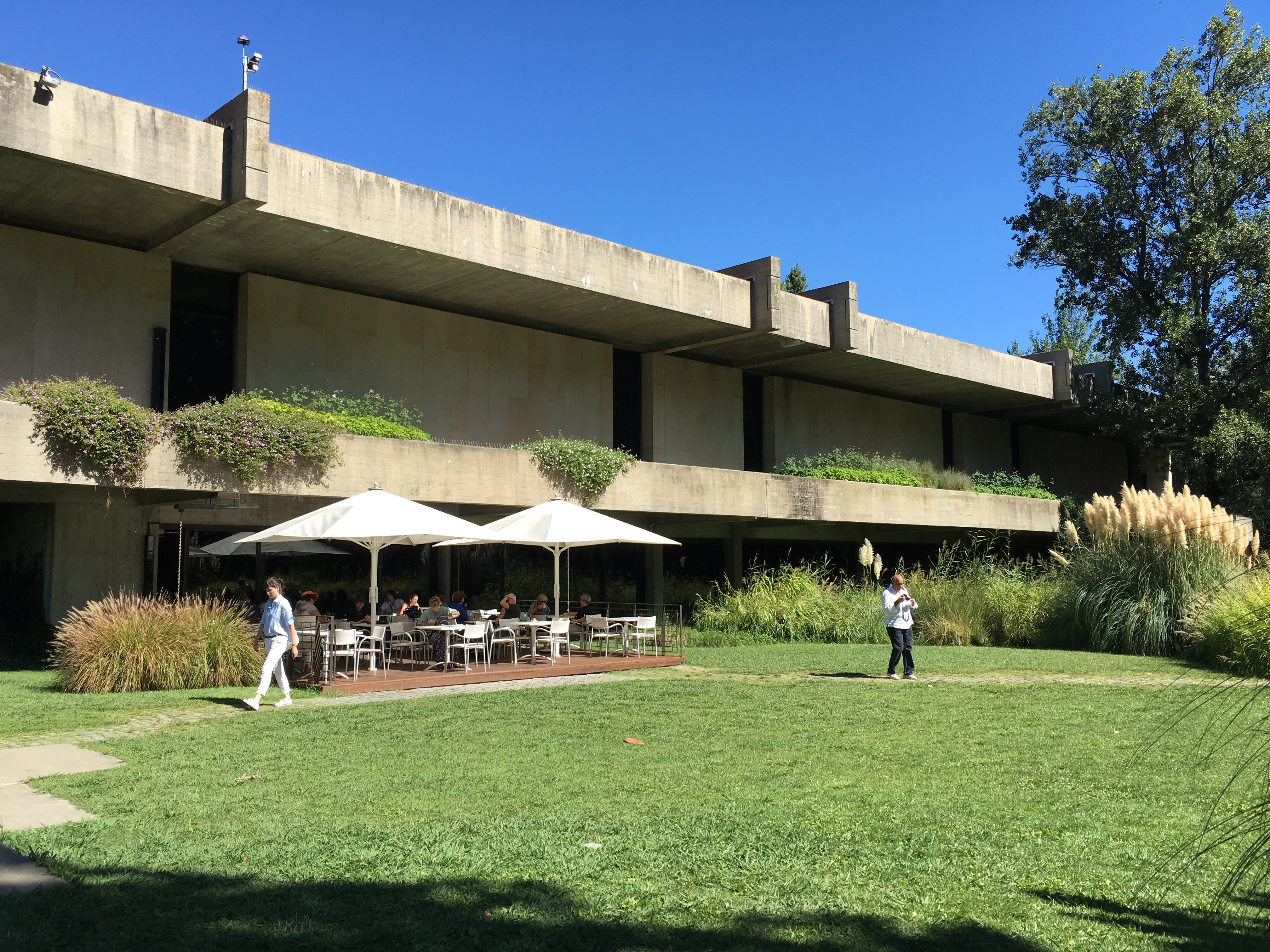 Outdoor seating in Gulbenkian