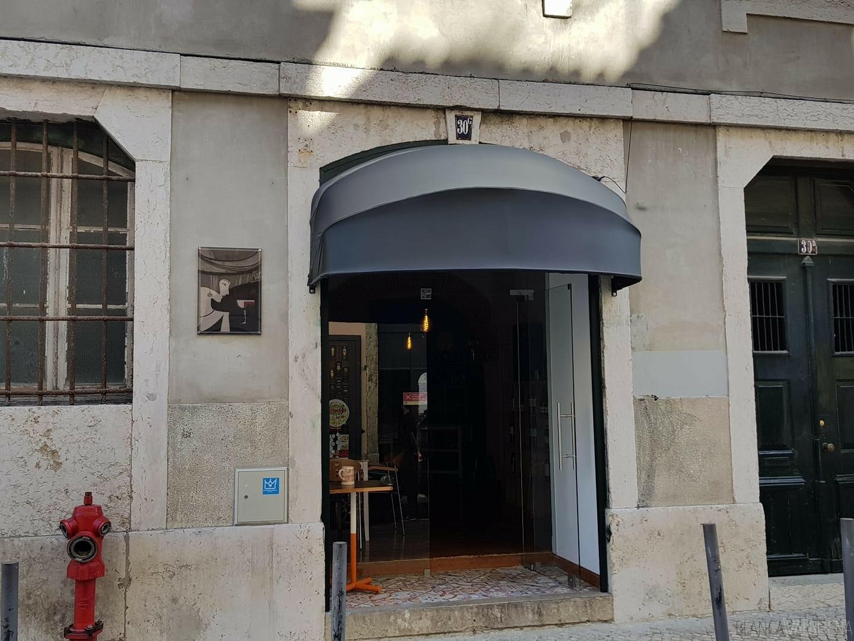 Uno de los mejores bares de vinos de Lisboa es la señora Baco