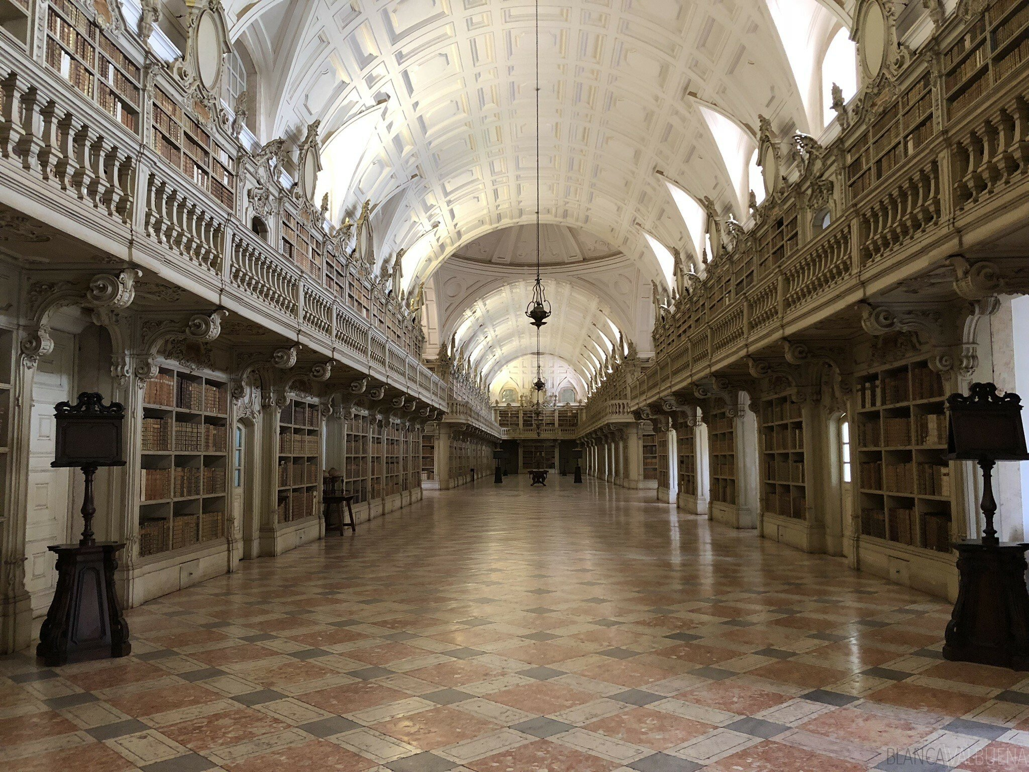 One of the largest libraries in Portugal is in Mafra