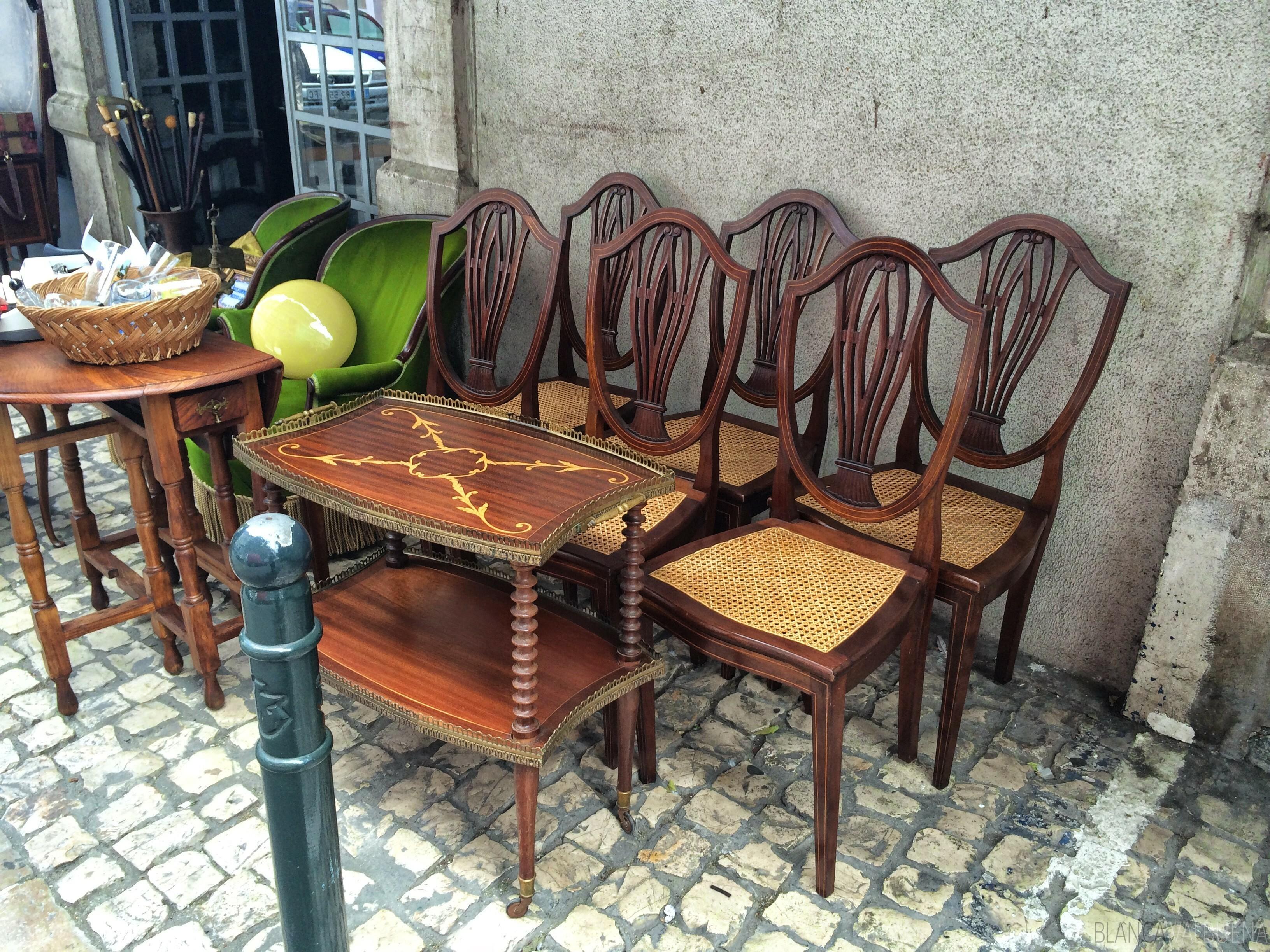 Purchase unique furniture at the feira da ladras