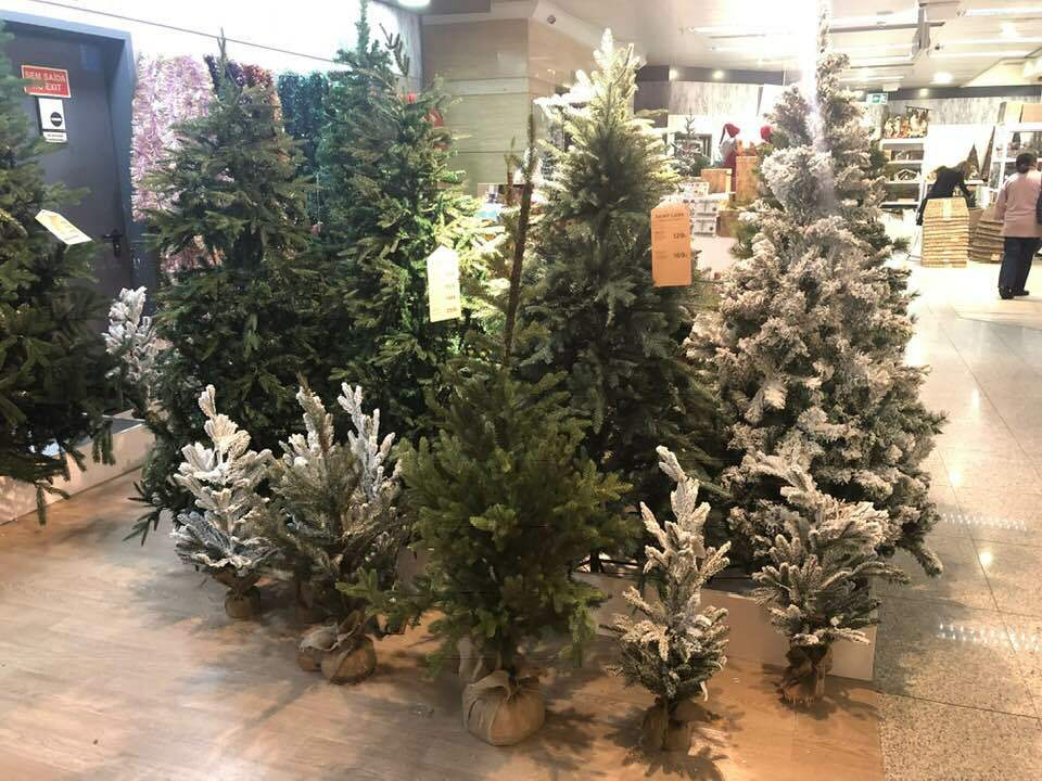El Corte Ingles in Lisbon sells artificial Christmas Trees